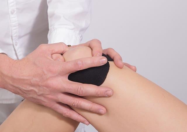 infiltrar acido hialuronico en la rodilla